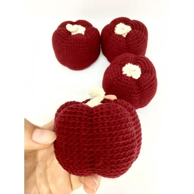Amigurumi red pumpkin