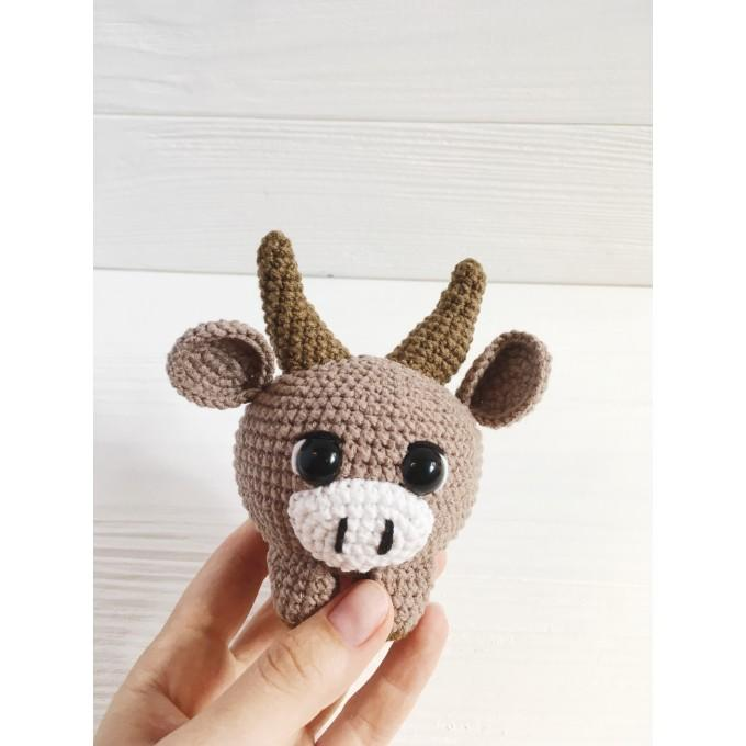 Amigurumi bull