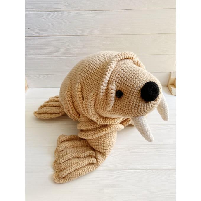 Amigurumi walrus