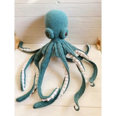 Amigurumi teal octopus