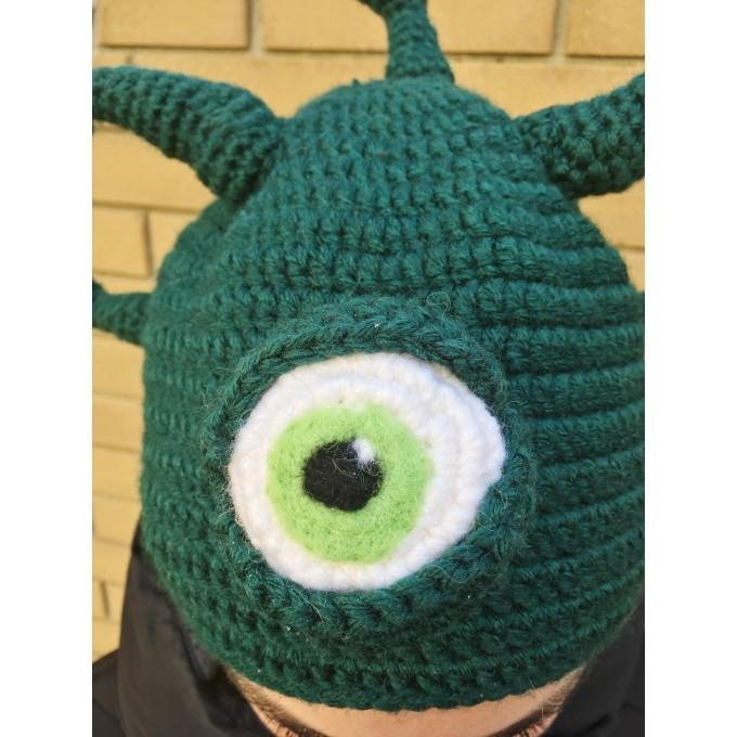 Hat with eyes