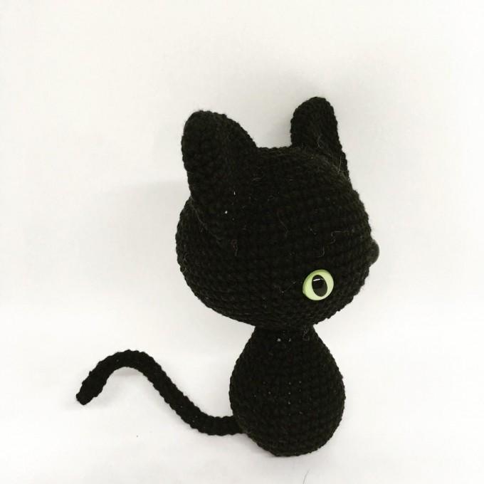 Amigurumi black cat