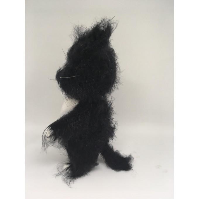 Amigurumi fluffy fat cat