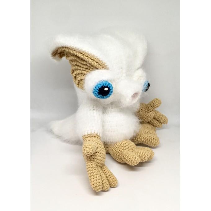 Amigurumi white monster